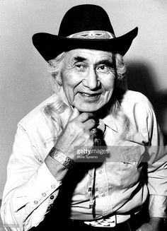 Chief Dan George, Best Supporting Actor, North Vancouver, Big Men, Cowboy Hats, Actors, Fashion, Moda, Fashion Styles