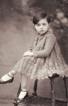 +~+~Vintage Photograph~+~+ Sweet dark haired girl