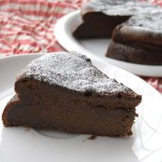 It's a simple yet rich and moist gateau au chocolat cake you can make with the ingredients you have at home. Sweets Recipes, Baking Recipes, Cake Recipes, Delicious Chocolate, Chocolate Recipes, Chocolat Cake, Lava Cakes, Best Dishes, Sweet Desserts