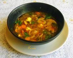 Évi néni kulináris kalandozásai: Gombócos gombaleves Thai Red Curry, Ethnic Recipes, Food, Essen, Meals, Yemek, Eten