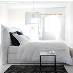 Scala Washed Linen Duvet Cover AM.PM Duvet cover in immaculate pre-washed linen accentuated by delicate spoke stitching creating a vintage look. Master Bedroom Design, Dream Bedroom, Washed Linen Duvet Cover, Bedding Sets Online, Diy Bed, Luxury Bedding, Bed Frame, Duvet Covers, Am Pm