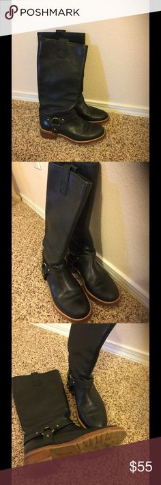 Banana republic riding boots Black leather riding boots, great quality, winter is not too far away! Get these now!😊 Banana Republic Shoes Winter & Rain Boots