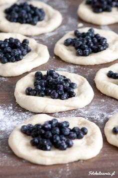 The best recipe for bilberry Buns - tasty and full of bilberries. Bread Recipes, Cake Recipes, Dessert Recipes, Desserts, Good Food, Yummy Food, Polish Recipes, Polish Food, Danishes