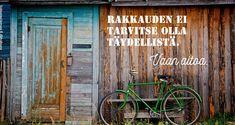 green bike wood shed free stock photo x 3264 MB