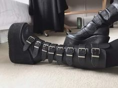 The coolest boots I've ever owned. Grunge Fashion, Gothic Fashion, Gothic Baby, Gothic Boots, Goth Shoes, Chunky Shoes, Dream Shoes, Sexy High Heels, Cool Boots