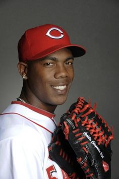 Albertín Aroldis Chapman de la Cruz is a Cuban professional baseball player who is nicknamed the Cuban Missile or the Cuban Flame Thrower.