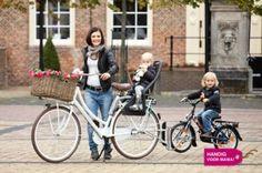 Zwaan-kleef-aan-fiets