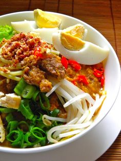 Indonesian Food. Mee Jawa Muar. Noodle Soup Dish #Indonesian recipes #Indonesian cuisine #Asian recipes http://indostyles.com