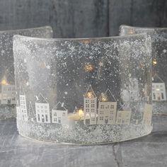 Snowy little house curved glass tea light holder