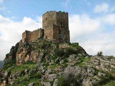 Castelo de Algoso [Séc. XII - Algoso, Trás-os-Montes-e-Alto-Douro, Portugal]
