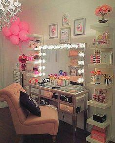 Makeup Room Design Girly 35 New Ideas Vanity Room, Mirror Vanity, Diy Vanity Mirror With Lights, Vanity Set, Girls Mirror, Diy Mirror, Glam Room, Makeup Rooms, Room Goals