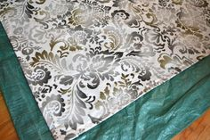 Using preprinted fabric from sewing store Floor Cloth, Floor Art, Painted Floors, Sewing Stores, Diy Projects To Try, Clutter, Cloths, Decor Ideas, Diy Crafts
