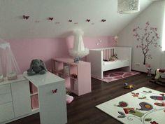 Kinderzimmer Mädchen Dachschräge Rosa Akzentwand Kinderzimmermöbel ... Dachschraege Kinderzimmer Maedchen