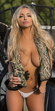 Airboat hottie nude for