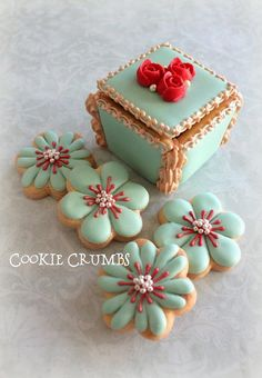 Cookie Box & Flower Cookies