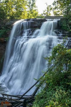 See the cliffs, waterfalls, and wildlife of Cuyahoga Valley National Park with this list of things you can't miss -- written by a former park ranger! Cool Places To Visit, Places To Go, Brandywine Falls, Beautiful Places In America, The Buckeye State, Autumn Photography, Amazing Destinations, Bucket Lists, National Parks