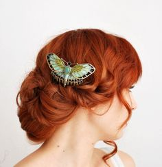 Ahhhh I would love a Rose butterfly hair comb! Shades Of Red Hair, Red Hair Color, Hair Colours, Lip Colors, Titanic Rose, Pretty Hairstyles, Wedding Hairstyles, Redhead Hairstyles, Papillon Rose