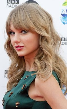 Taylor Swift media gallery on Coolspotters. See photos, videos, and links of Taylor Swift. Swift Images, Taylor Swift Hot, Celebrities Before And After, Taylor Swift Pictures, Lily Collins, Pretty Eyes, How To Look Better, Queens, Celebs