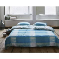 Bell & Blue Ratna Duvet Cover ($65) ❤ liked on Polyvore featuring home, bed & bath, bedding, duvet covers and blue bedding