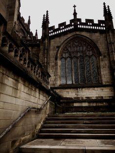 Hogwarts, Princess Aesthetic, Character Aesthetic, My Academia, Dark Castle, Dark Fairytale, Different Aesthetics, Slytherin Aesthetic, Dark Paradise