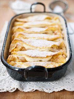 Überbackene Pfannkuchen mit Topfenfüllung