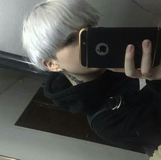 ulzzang girl with boy hairstyle ~ hairstyle ulzzang girl & hairstyle korean girl ulzzang & ulzzang girl short hairstyle & korean long hairstyle ulzzang girl & ulzzang girl boy hairstyle & ulzzang girls hairstyle & ulzzang girl with boy hairstyle Cute Korean Boys, Asian Boys, Cute Boys, Boy With White Hair, Short White Hair, Ftm Haircuts, Boy Hairstyles, Aesthetic People, Aesthetic Boy