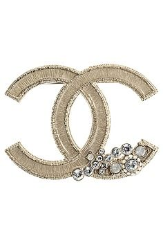 Coco Chanel logo brooch V Chanel Couture, Chanel Jewelry, Jewelry Box, Jewelry Accessories, Fashion Accessories, Cl Fashion, Chanel Fashion, Broche Chanel, Gabrielle Bonheur Chanel