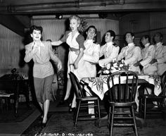Rosalind Russell, Janet Blair and sailors - MY SISTER EILEEN