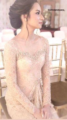 Proposal ehee - All For Bridal Hair Kebaya Lace, Batik Kebaya, Kebaya Dress, Vera Kebaya, Dress Brokat Modern, Kebaya Modern Dress, Batik Mode, Model Kebaya Modern, Kebaya Wedding