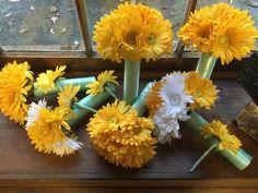 10 Piece Yellow & White Daisy Wedding Bouquet Set, Daisy Bouquet, Yellow Daisy Bouquet, Yellow white bouquet Bridal Mint Wedding