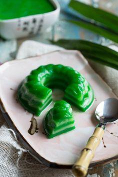 Ik had er bijvoorbeeld nog nooit van gehoord en toen ik zag wat ik moest gaan maken had ik zo mijn twijfel maar deze kue lapis is lekker!