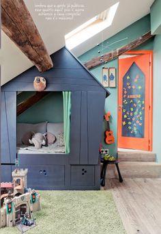 colourful boys room.. #chambre garçon, lit #cabane bois