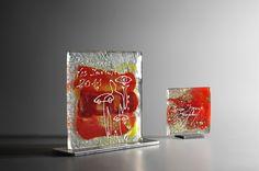 Trophées en verre fusionné et pigments de couleurs de tailles différentes - Artempo