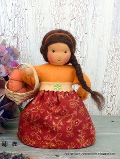 Blumenkind Mia mit Kürbis im Korb von Zwergenwelt auf DaWanda.com