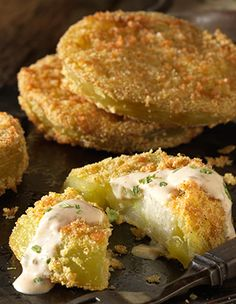 Cornmeal Fried Green Tomatoes With Mississippi Comeback Sauce - Private Selection
