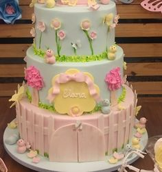 Bolo Da Minnie Mouse, Bolo Fake, Cakes, Desserts, Food, Decorating Cakes, Pancakes, Tailgate Desserts, Fake Cake