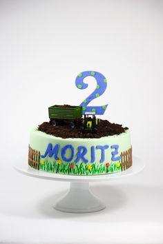 Traktor Geburtstagstorte Cake, Desserts, Food, Cake Ideas, Dessert Ideas, Birthday Cake Toppers, Tractor, Wedding Pie Table, Pie Cake