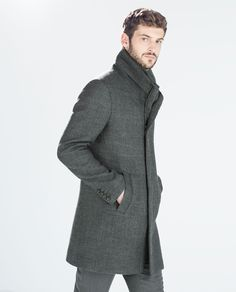 Plain Coat at Zara, Trench Coat Men, How To Look Handsome, Fashion Outfits, Mens Fashion, Fashion Bags, Fashion Catalogue, Zara Man, Down Coat, Warm Coat