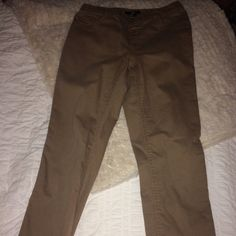 H&M Skinny Jeans In great condition. Skinny jeans. Soft material. No zipper or button they are pull up. H&M Jeans Skinny