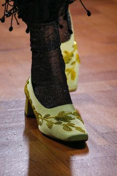 73c12b2bd9491 Erdem Spring 2019 Ready-to-Wear Collection - Vogue Toe Shoes