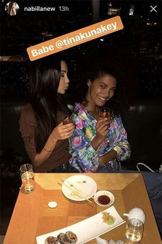 Nabilla et Tina Kunakey au Nobu, à Londres. Vincent Cassel, Story Snapchat, Tina Kunakey, Girls Time, Big Ben London, Dancing With The Stars, Amigos