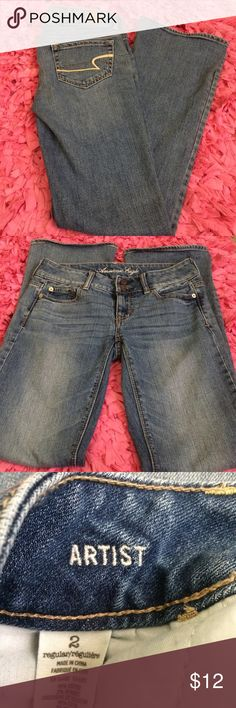 American Eagle Artist Jeans Size 2. Excellent condition. Minor wear on the bottom hem, but not noticeable at all. American Eagle Outfitters Jeans