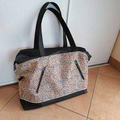 Au Fil de l'Au sur Instagram: Java Médium de @patrons_sacotin. Un régal à coudre, et enfin un sac pour moi, pour crâner au travail 😜 Java, Sewing