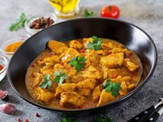 Paleo Diyetine Uygun Tavuk Tarifi Chicken Masala Curry, Curry Chicken And Rice, Indian Curry, Pasta Al Curry, Comida India, Indian Food Recipes, Ethnic Recipes, Curry Recipes, Kitchens