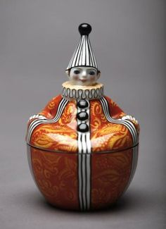 1003: NORITAKE FIGURAL DRESSER JAR