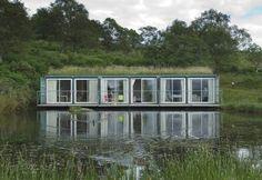 Tendance maison container - Sélection de construction en container maritime #container #toit #végétal http://www.novoceram.fr/blog/architecture/construction-maison-container