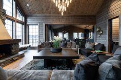 Log Cabin Living, Ski Chalet, Inside Outside, Big Houses, Rustic Decor, Building A House, Design Inspiration, Cottage, Living Room