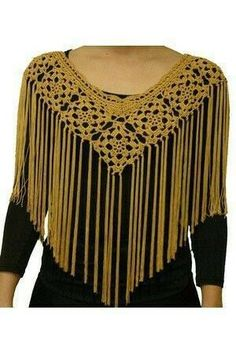 Crochet hats fall poncho cal neck option two right hand video 2 Col Crochet, Poncho Au Crochet, Crochet Cape, Crochet Diy, Crochet Poncho Patterns, Crochet Collar, Crochet Jacket, Crochet Blouse, Crochet Scarves