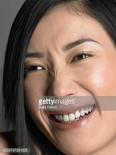 young-woman-laughing-wrinkling-nose-closeup-picture-id200374735-005 (359×479)