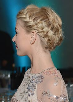The Only Fall Hairstyles 2014 Resource You Will Ever Need. What we're seeing that will be hot this fall. See the styles that will be turning heads this fall.